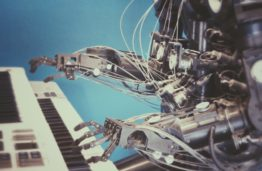 Between myths and reality: artificial intelligence needs to be taught